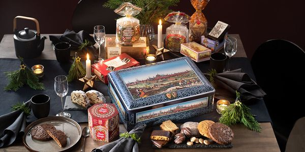 Nuremberg Gift Chest Delicious Elisen specialities and more